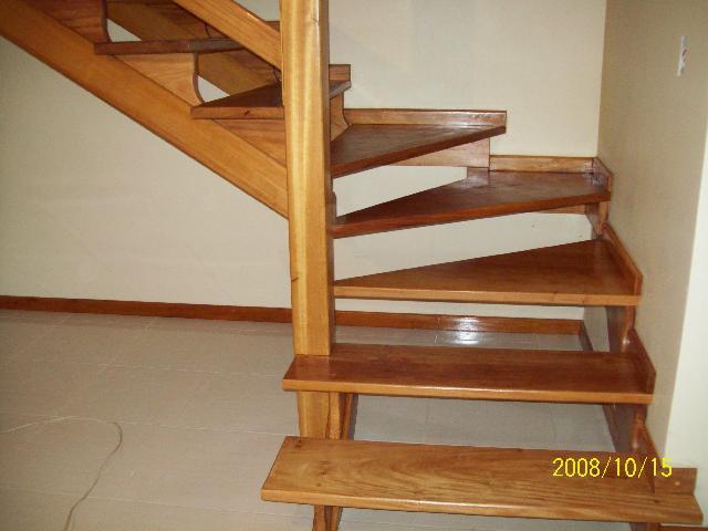 escada jardim madeira:Escada De Madeira Residencial 980516z0 Jpg Pictures to pin on